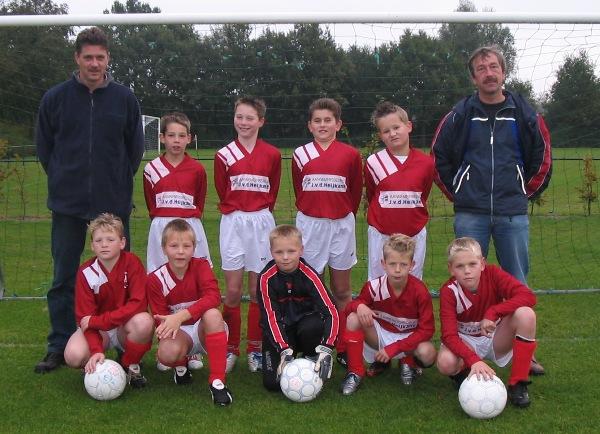 BAS E2 seizoen 2004/2005